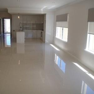 Polished porcelain tile 600x600 PRICE R99,99